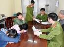 Công an bàn giao 2 nữ sinh 16 tuổi bỏ nhà vào Quảng Nam