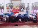 41 người Hàn Quốc cúi đầu tạ lỗi trước bia mộ vụ thảm sát ở Hà My