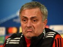 Mourinho khẩu chiến Frank de Boer vì Rashford