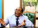 Bị lật đổ ở tuổi 93, ông Mugabe chưa chịu yên phận