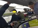 Nga: Bắt hành khách quấy rối tình dục, làm loạn trên máy bay
