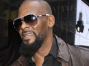 Sao ca nhạc R Kelly lại bị tố lạm dụng tình dục