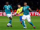 """Sao trẻ lập công, Brazil """"đòi nợ"""" nhà vô địch World Cup"""