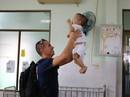 Chùm ảnh xúc động của thủy thủ tàu sân bay Mỹ thăm trẻ em mồ côi