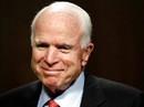 Vừa điều trị ung thư, ông John McCain lại nhập viện phẫu thuật
