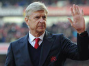 HLV Wenger bất ngờ tuyên bố rời Arsenal