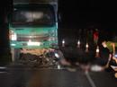 Xe máy tông xe tải, 4 thiếu niên thiệt mạng