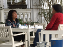 Chuyện lạ ở Huế: Cán bộ ngồi quán cà phê... ký giấy tờ