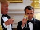 """Đằng sau """"tình huynh đệ"""" Trump - Macron"""