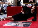 """Sao phim """"Wonder Woman"""" hạnh phúc nhận sao ở tuổi 66"""