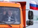 Tổng thống Putin lái xe tải qua cầu nối Nga và Crimea