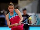 Thua cuộc, Karolina Pliskova trút giận lên ghế trọng tài