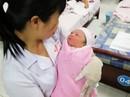 Bé gái sơ sinh bị bỏ rơi tại nhà vệ sinh Công ty Pou Yuen