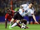 """Giao hữu: Messi lập hat-trick, Argentina đè bẹp """"tí hon"""" Haiti"""