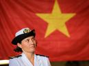 Nữ thuyền trưởng chỉ huy tàu chiến tàng hình Pháp thăm TP HCM