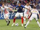"""Pháp """"chết hụt"""" ở Lyon trong ngày Giroud đổ máu"""