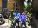 Dán nhãn chai thuê, cô gái lãnh 4 năm tù