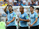 Luis Suarez tỏa sáng, Uruguay cùng Nga vào vòng 1/8