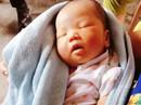 Bé gái 10 ngày tuổi bị bỏ rơi trong đêm