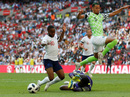 Bước chạy đà cuối cùng của tuyển Anh