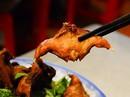 Đặc sắc vịt nấu chao và chuột đồng chiên nước mắm