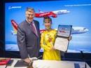 CEO Vietjet Nguyễn Thị Phương Thảo ký hợp đồng mua 100 máy bay Boeing