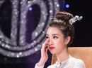 Hoa hậu Đỗ Mỹ Linh khóc nghẹn vì cặp vợ chồng khuyết tật