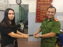 Bắt nóng 2 phụ nữ dàn cảnh trộm điện thoại ở trung tâm TP HCM