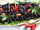 Dế xào sả ớt - món ăn níu chân du khách ở Lâm Đồng