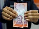 """Venezuela """"tê liệt"""" vì tiền mới"""