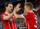 """Công nghệ VAR giúp Barcelona và Bayern """"thoát chết"""""""