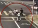 """Tranh cãi nảy lửa vụ người đi xe đạp điện """"tự vệ"""" chém chết tài xế ô tô"""