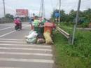 Gom trúng rác độc hại 3 công nhân công trình đô thị cấp cứu
