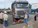 Va chạm với xe tải, người bán vé số tử vong