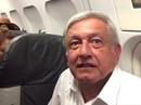 Tổng thống đắc cử Mexico mắc kẹt trên đường băng 3 giờ
