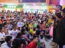 Hơn 1.000 con công nhân vui chơi cùng lồng đèn