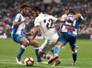"""""""Trợ lý"""" VAR đưa Real Madrid lên ngôi đầu La Liga"""