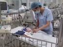 Sức khoẻ bé trai sinh non mất bố mẹ trong vụ cháy gần Bệnh viện Nhi giờ ra sao?