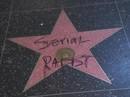 Ngồi tù vì tấn công tình dục, danh hài Mỹ vẫn được giữ sao ở Đại lộ danh vọng