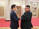 """Ông Kim Jong-un tiếp đoàn Hàn Quốc, cam kết """"phi hạt nhân hóa hoàn toàn"""""""
