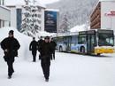 """Davos """"nóng"""" hầm hập"""