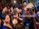 CLIP: Trường Giang cầu hôn Nhã Phương tại Lễ trao Giải Mai Vàng