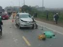 Xe Innova vượt xe phía trước tông chết 2 người đi xe máy