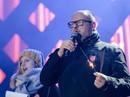 Thị trưởng bị đâm gục trên sân khấu gây quỹ từ thiện