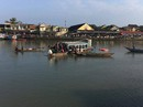 Cãi nhau, chồng lái ô tô chở vợ và 2 con lao xuống sông, 3 người chết
