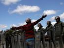 Venezuela: Đụng độ liên quan đến hàng viện trợ, ít nhất 17 người thương vong
