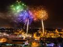 Pháo hoa rực sáng trên bầu trời Hiệp Phước - Nhà Bè
