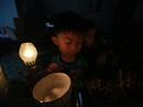 Nhà bị cúp điện, kêu cứu đêm 30 Tết!