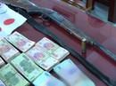 """Phá sới bạc """"khủng"""", bắt giữ 36 người và hơn 1 tỉ đồng"""