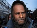 Danh ca R. Kelly được thả sau khi nộp tiền trợ cấp cho con